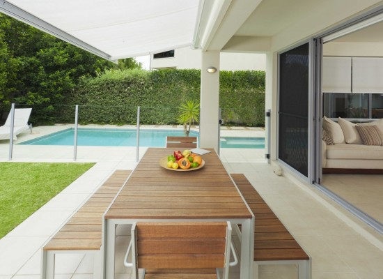 Modern terasa s n dechem etna styl a interier for Design moderno e minimalista