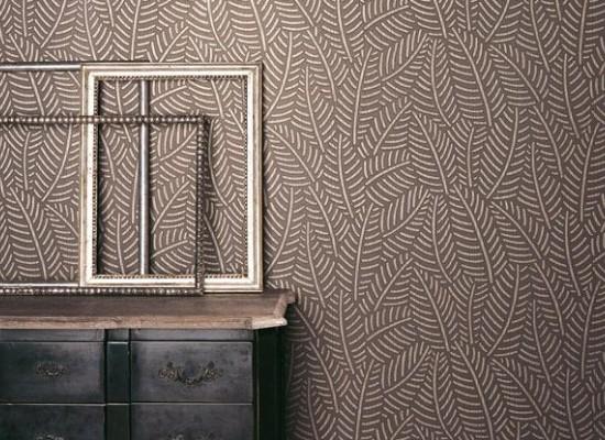 Moderní hnědé tapety s listovým vzorem