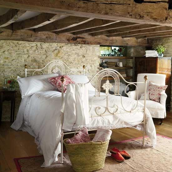 Ložnice ve stylu francouzského venkova